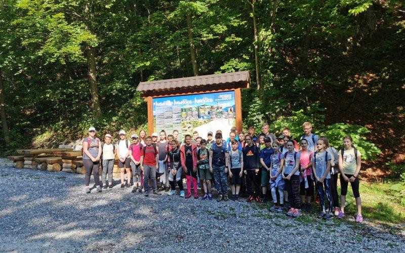 Planinarski klub Ivanec organizirao je planinarski izlet na Ivanščicu